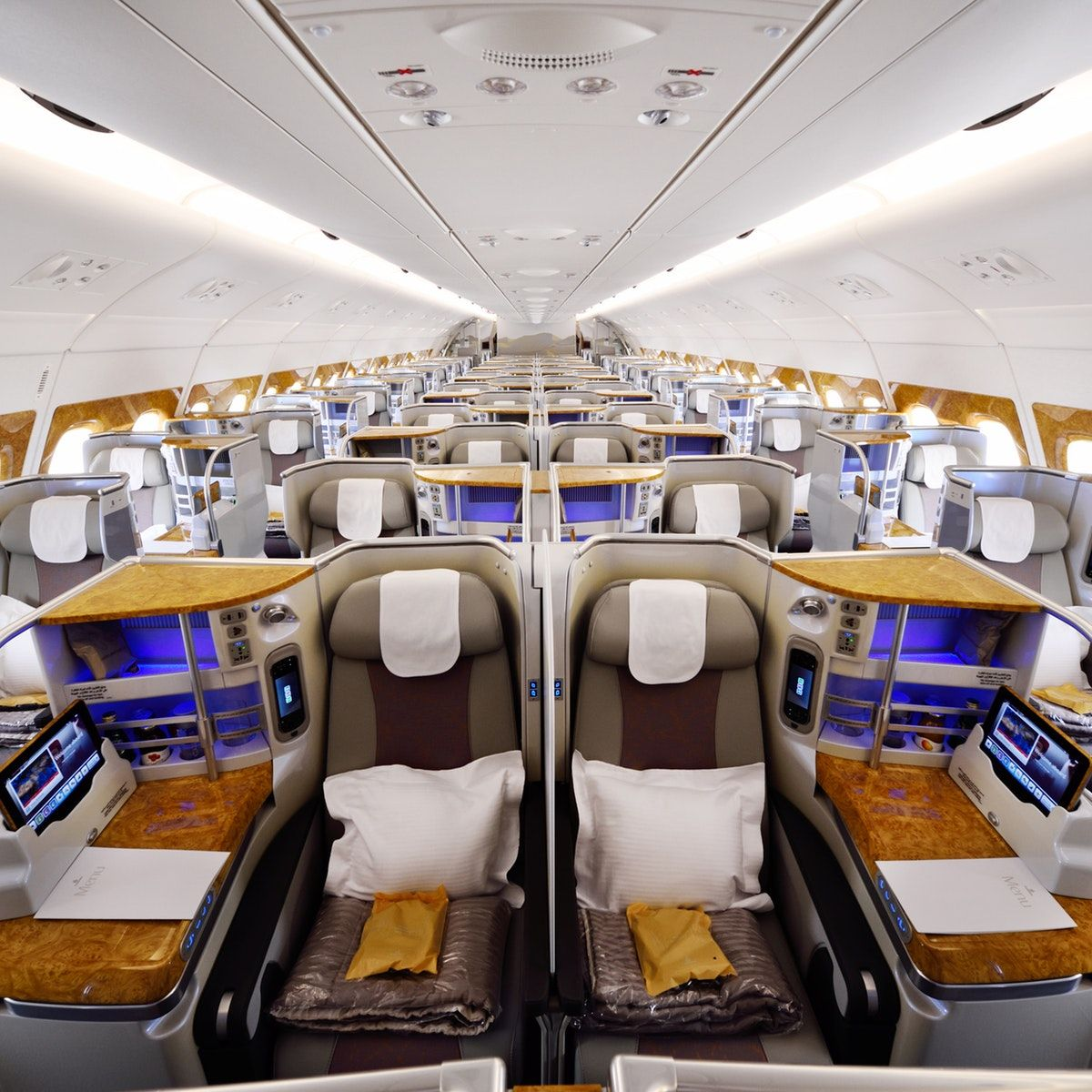 Emirates Unbundles Its Business Class Business class