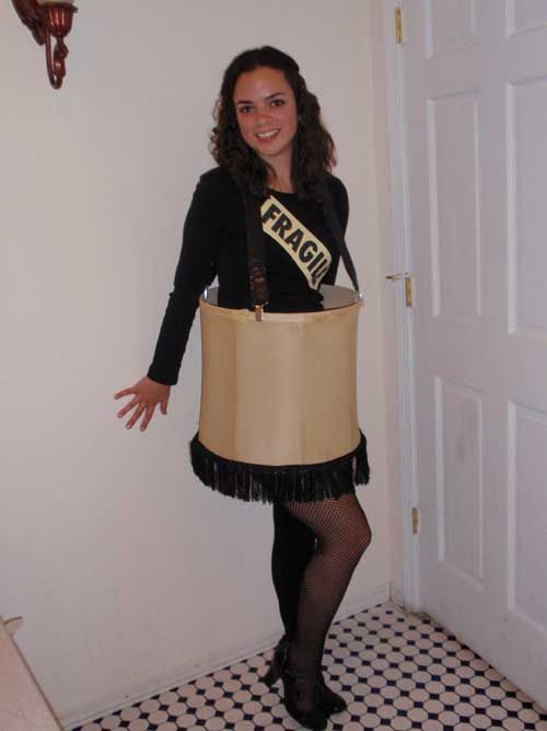 idea to make your own halloween leg lamp costume