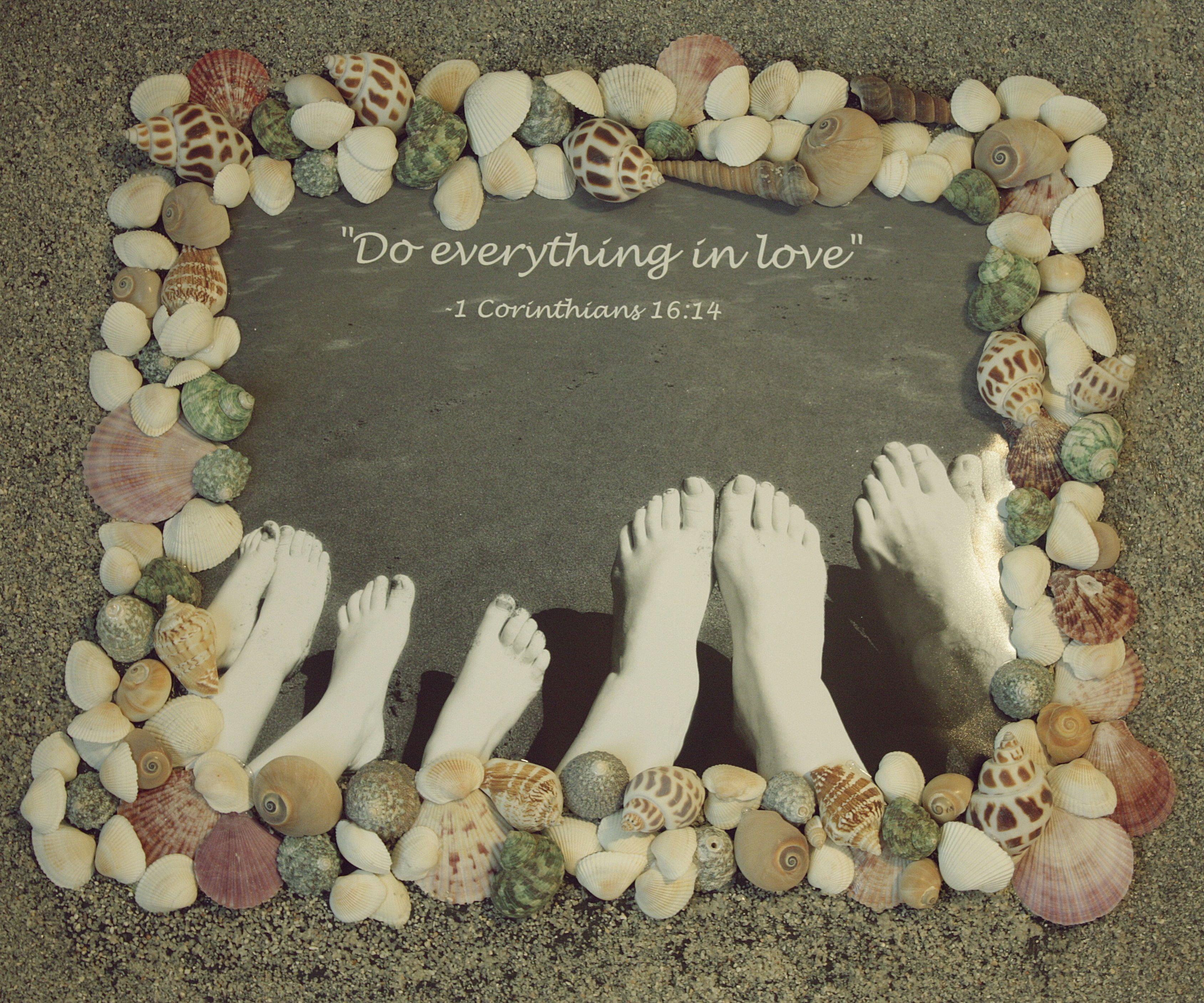 Diy canvas sand and sea shell frame cadres pinterest for Shell diy