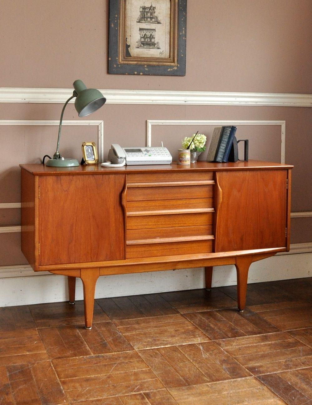 チーク材のカッコいいヴィンテージ家具 北欧スタイルのサイドボード X