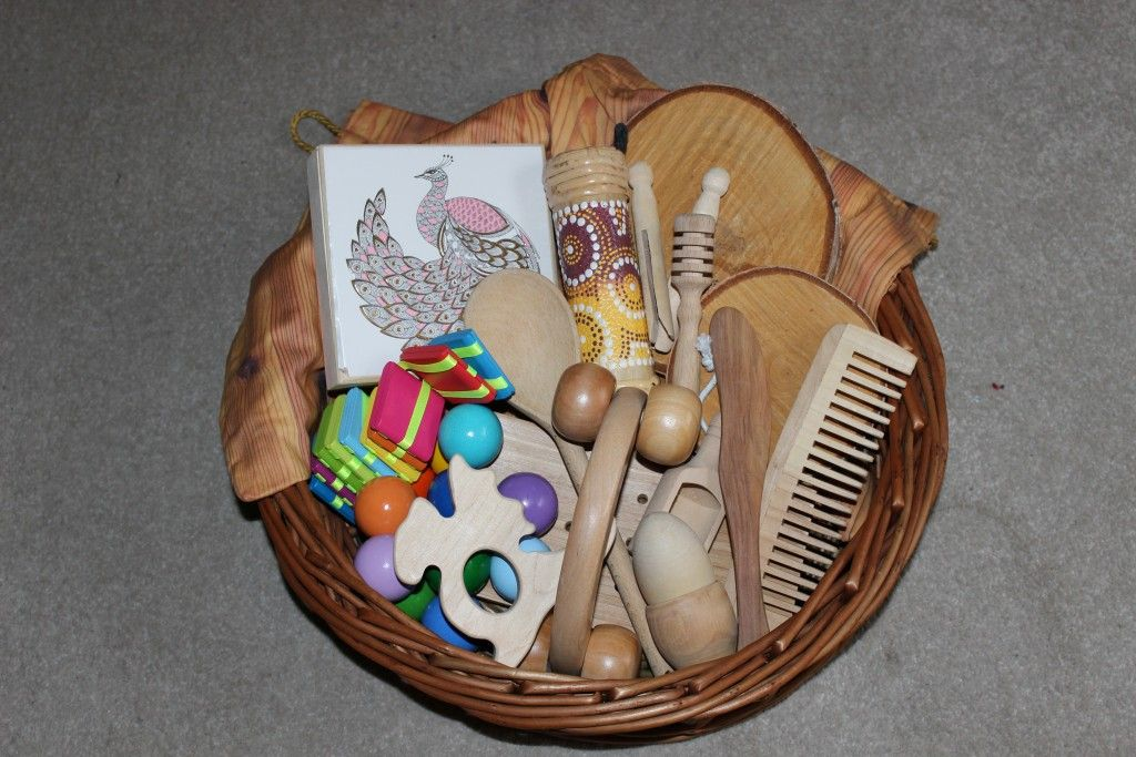 Objects and items to use in treasure baskets and Heuristic
