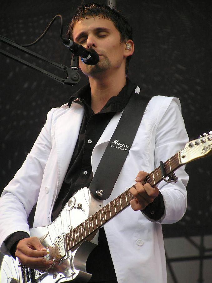 Matt Bellamy_16 July 2004 — Xacobeo Festival, Santiago de Compostela, Spain