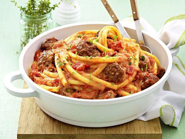 Pasta rezepte f r genie er tomatenso e hackb llchen und for Schnelle nudelgerichte