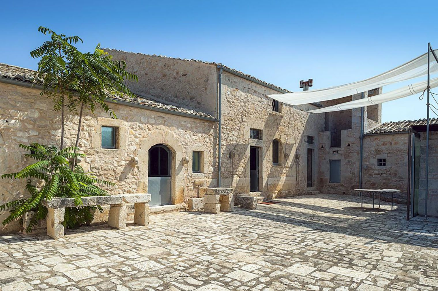 Holiday Home Of The Week A Restored Farmhouse On A Sicilian Unesco Site Restored Farmhouse Sicily Villas Sicily