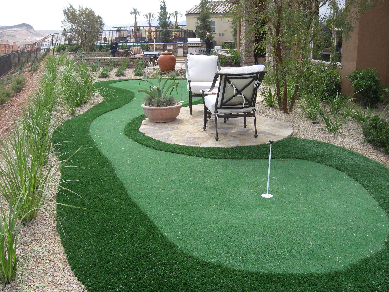 Back yard putting green artificial grass installation