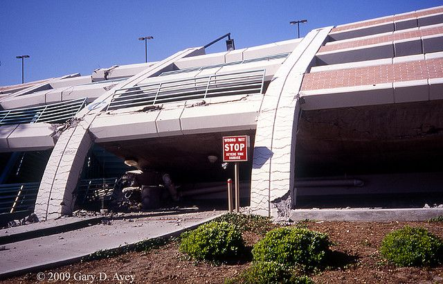 Collapsed Csu Northridge Parking Structure Following Northridge Earthquake Ii Northridge Earthquake Northridge Recent Earthquakes