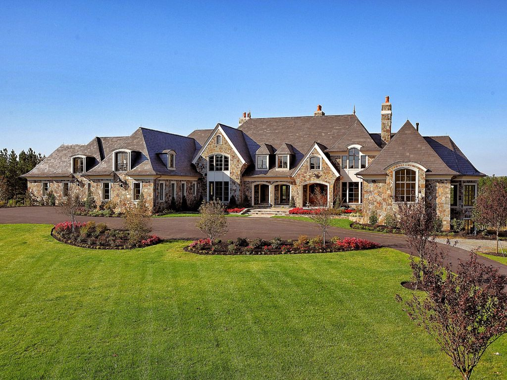 Custom homes at Creighton Farms in Northern