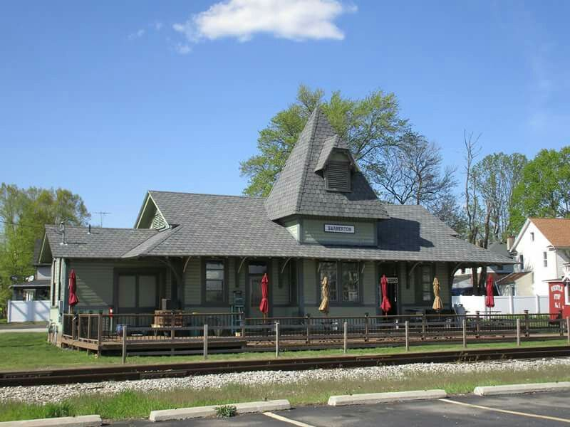 Erie Depot Across From Angies Pizza In Barberton Oh Restored June 16 2016 And Is Now An Ice Cream Sandwich Shop Oh My Home My Home Barberton Ohio