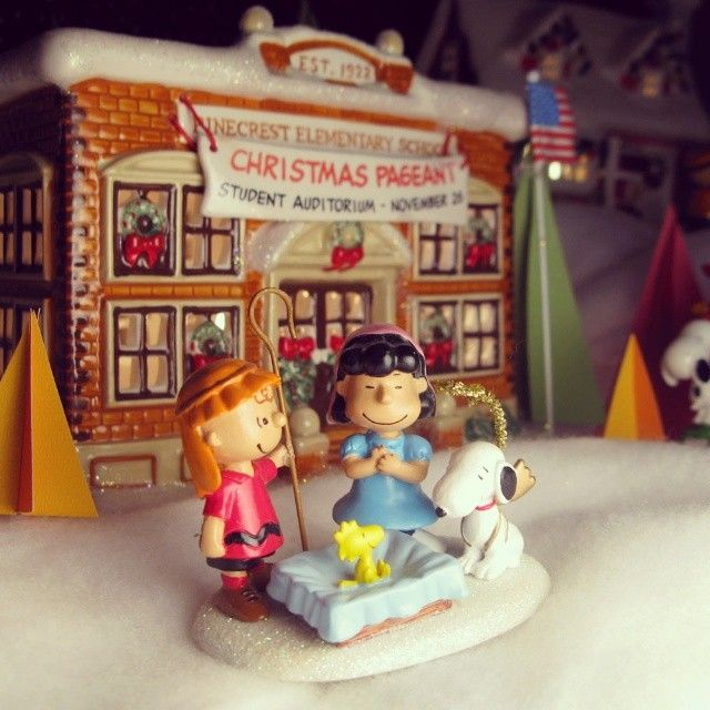 Peanuts Christmas Village | Christmas houses, Charlie brown and Snoopy