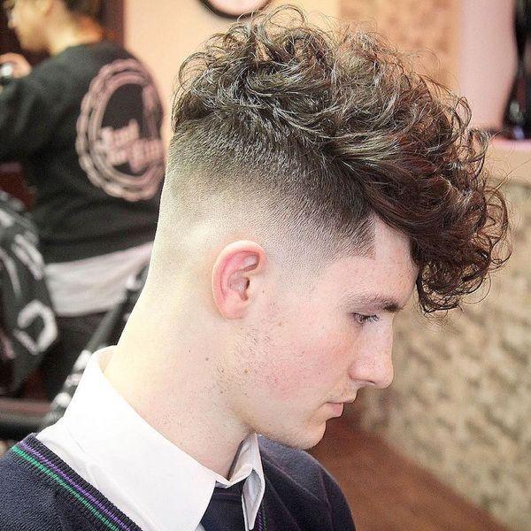 Hairstyle locken mann