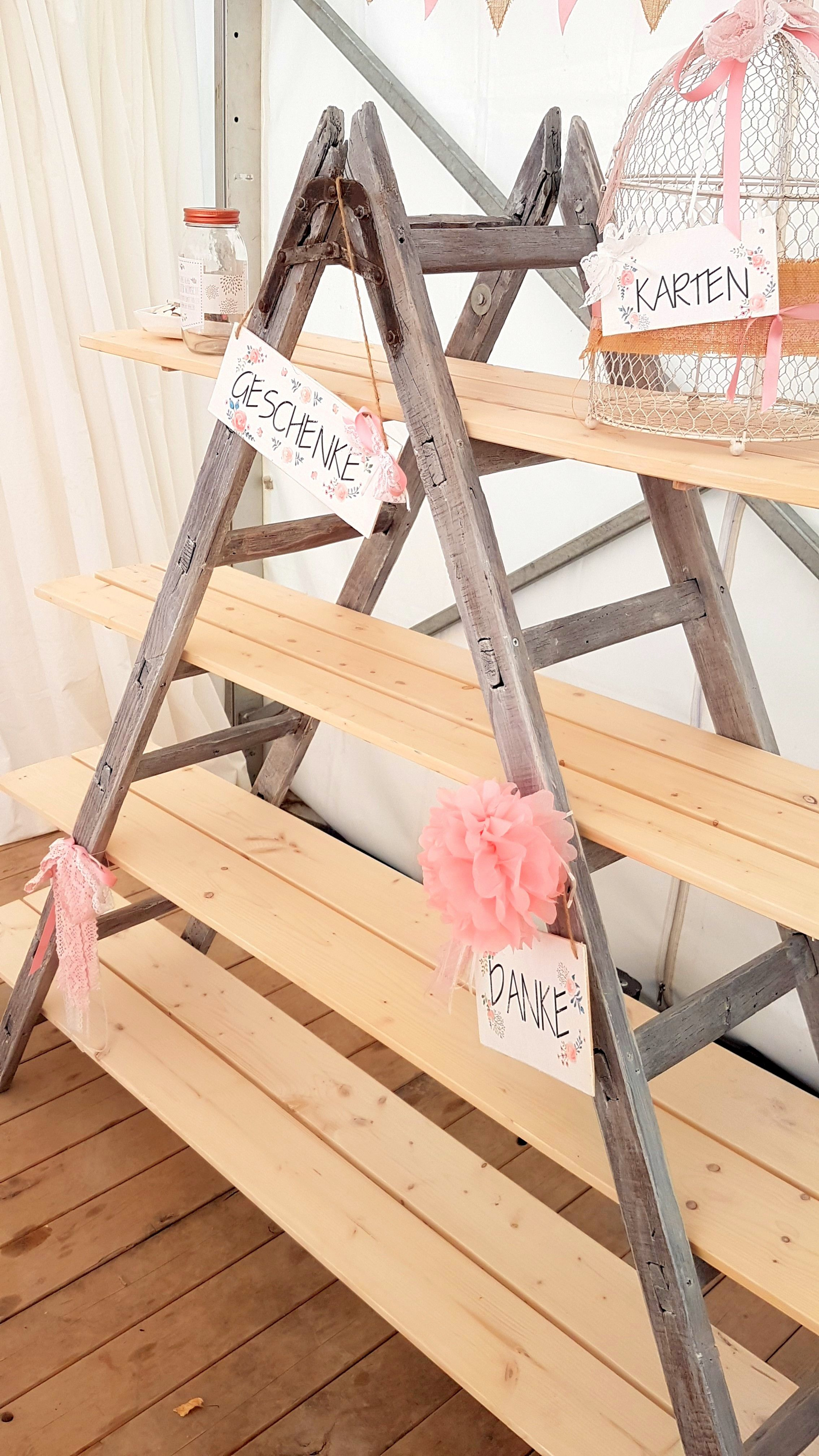 Geschenketisch Leiter DIY rustikal Vintage rosa Zelt Sommer