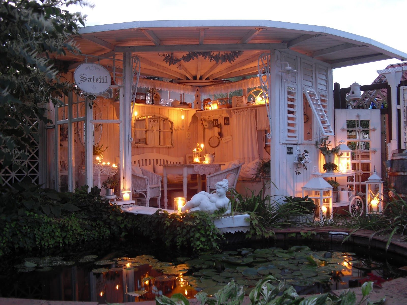 Shabby landhaus garden for Landhaus garten anlegen