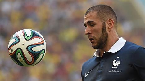 Karim Benzema http://www.focus.de/sport/fussball/wm-2014/deutsches-team/praemien-fuer-deutsche-wm-spieler-nationalspieler-kassieren-100-000-euro-fuers-halbfinale_id_3969883.html