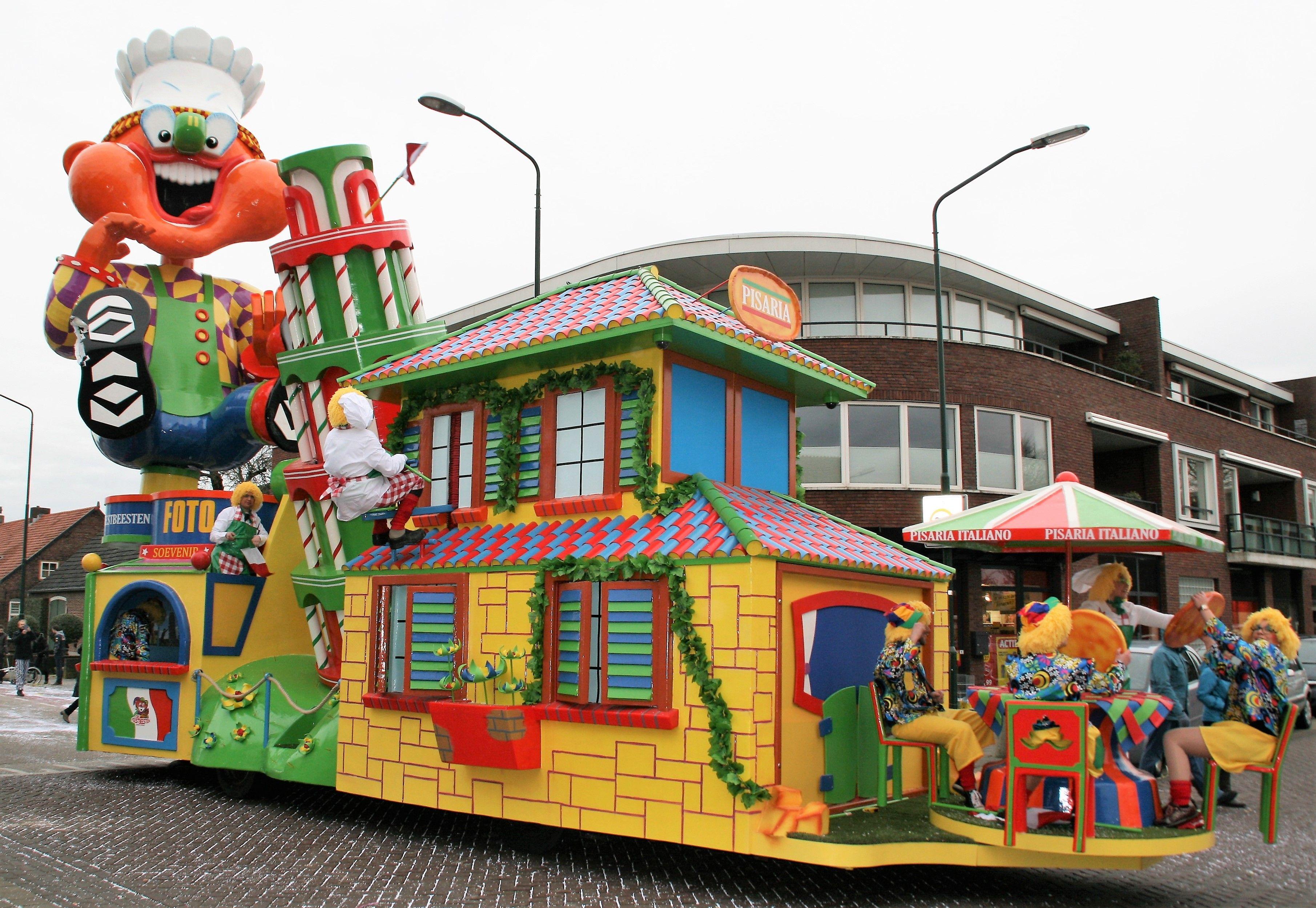 49774cbff99737 Carnaval 2017...3de prijsoptocht Budel  CV de Feestbeesten - Toren van Pizza