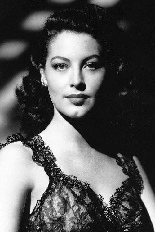 Ava Gardner 1940's      Lace, lace, lace, lace.