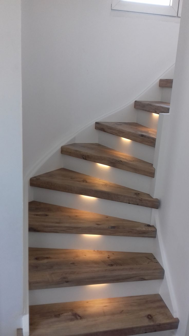 Mississippi Pine with LED lighting and white stoo … – #einrichtungsideen #LEDv - Wohnaccessoires #staircaseideas