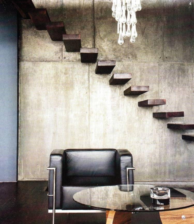 Klassik - Betonwand, schwebende Treppen aus Holz und LC3 - holz treppe design atmos studio