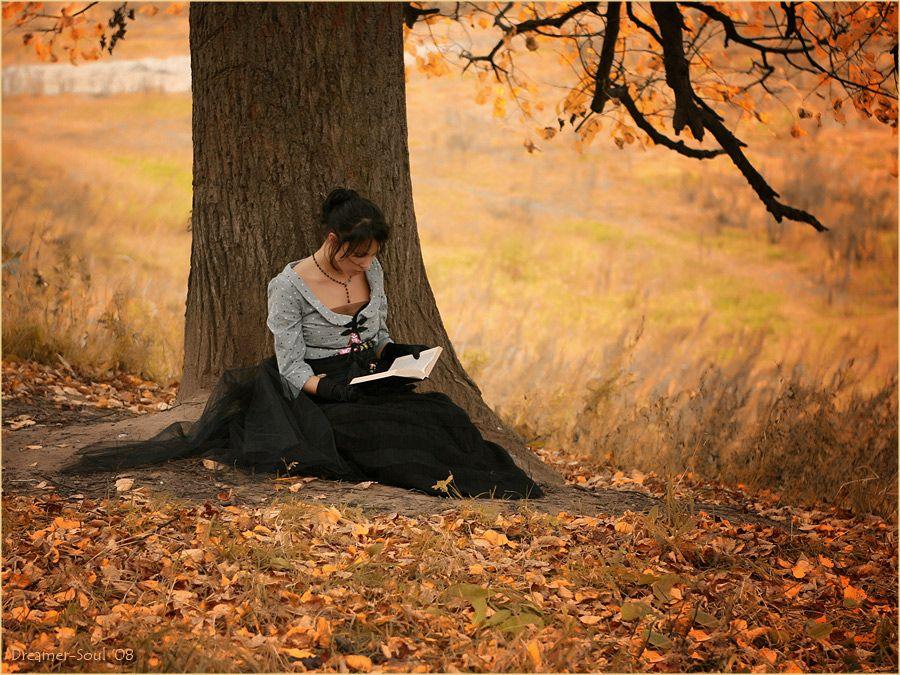 femme qui lit un livre au pied d 39 un arbre sc no pinterest le pied pieds et livre. Black Bedroom Furniture Sets. Home Design Ideas