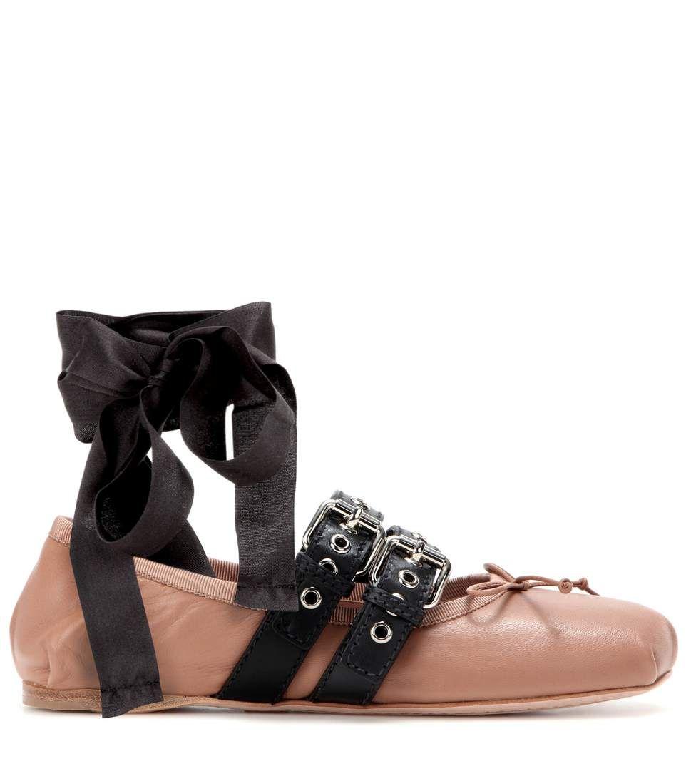 Beige buckle-embellished leather ballerinas