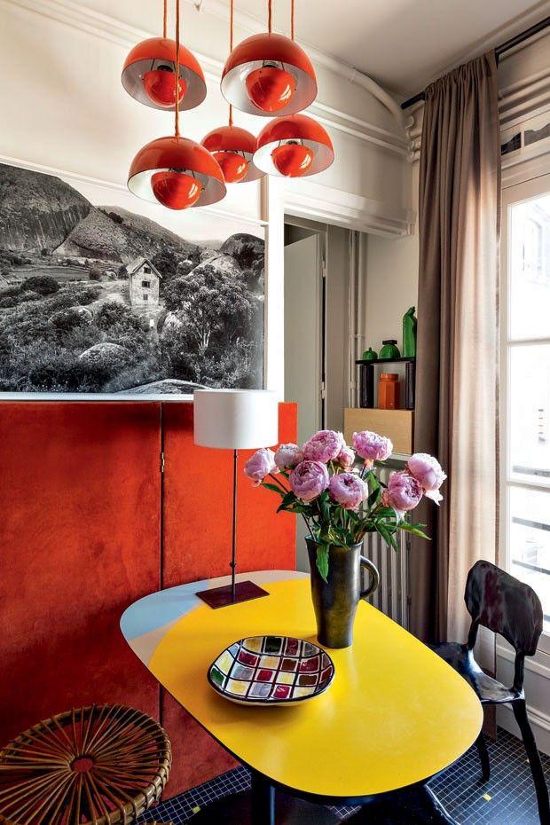 Apartamento clássico com cores marcantes