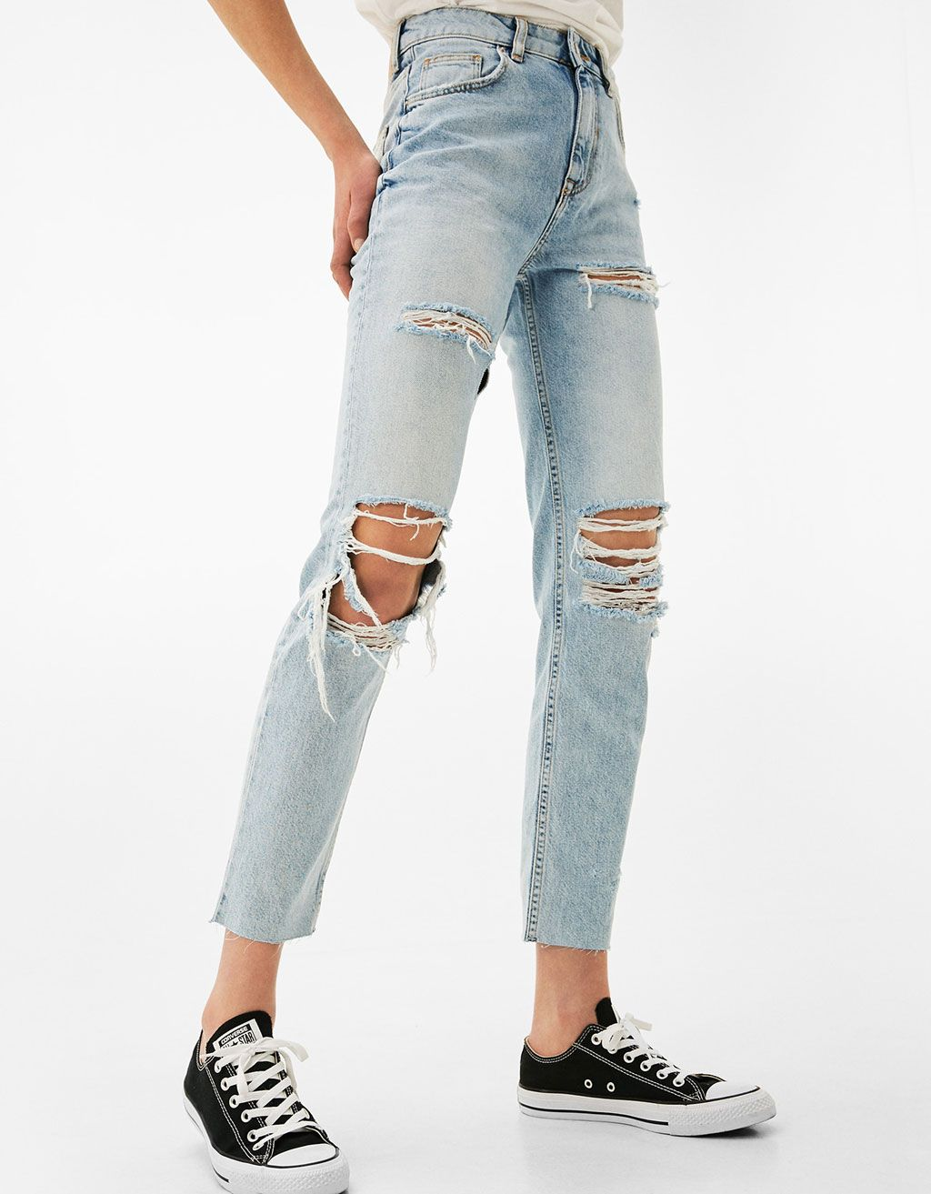 0ce370e7fcf0a3 Mom Fit jeans with ripped knees - Jeans - Bershka Israel
