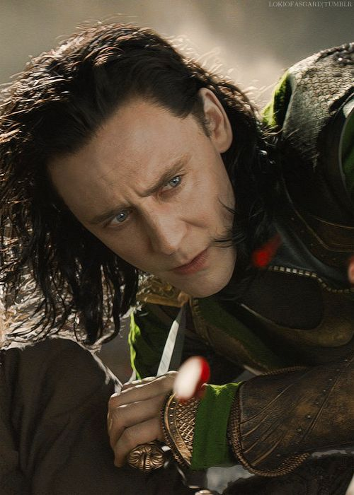 Tom Hiddleston | #Loki in #ThorTheDarkWorld is still pale and beautiful | #Marvel