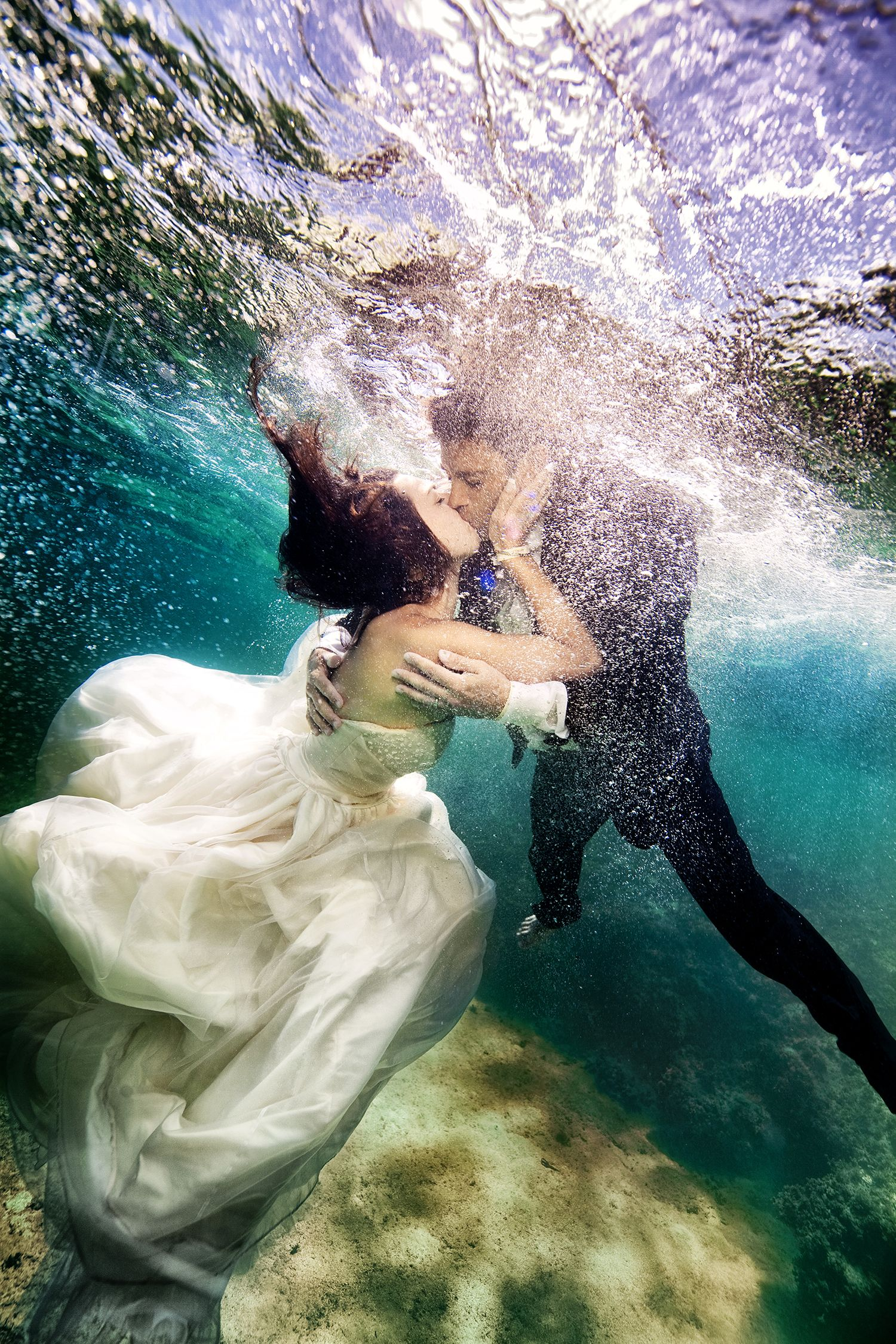 The Full Story Behind These Incredible Underwater Wedding Photographs Underwater Wedding Underwater Photography Wedding Underwater Photographer