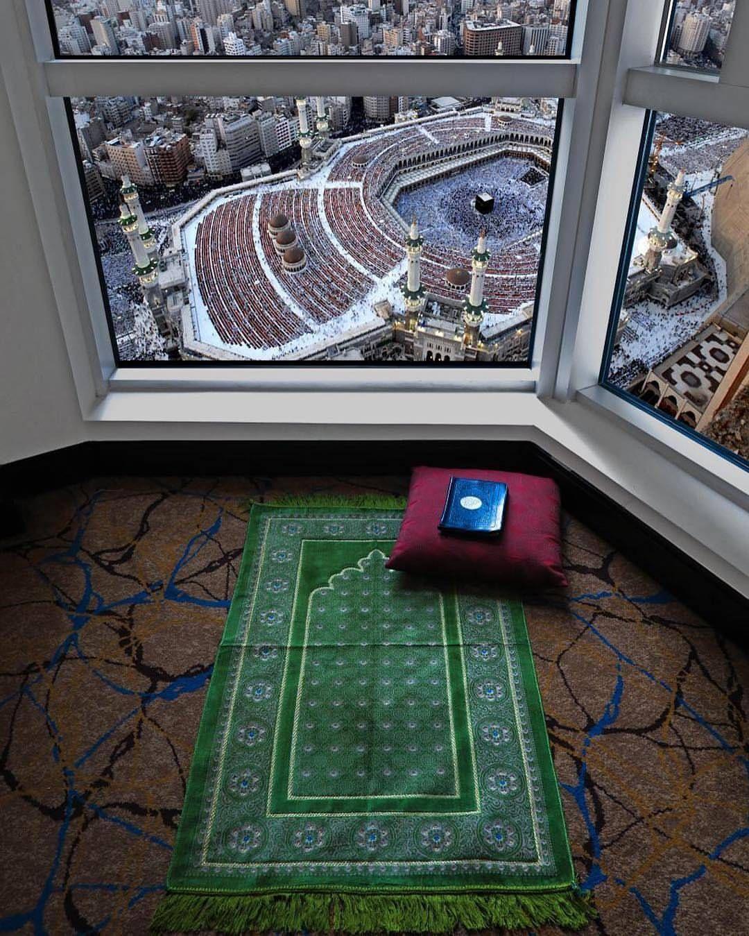 حى على الصلاة مـن اعظـم اسباب الخشوع في الصلاة خشية الله تعالى خارج الصلاة في معاملة الخلق بالصدق والامانة Islam Muslim Prayer Room Ideas Mecca Islam