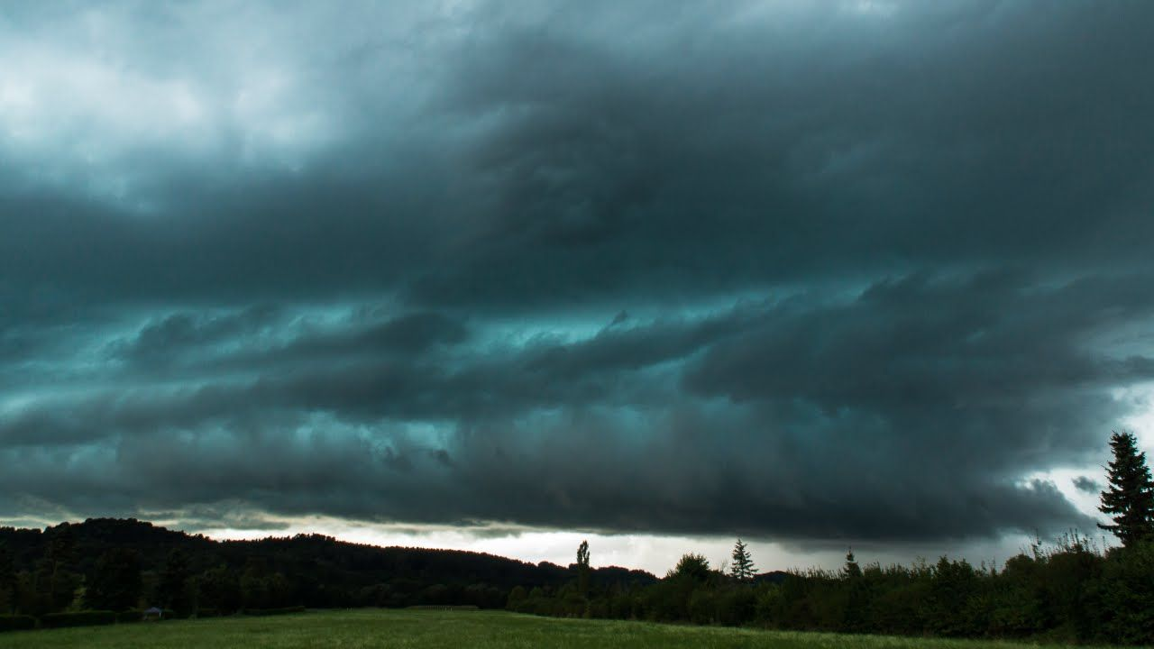 11/08/2014 - Zeitraffer Superzelle   Downburst Sequenz @ Raum Fürstenfeld (STMK) - VIDEO.STORMHUNTERS.AT