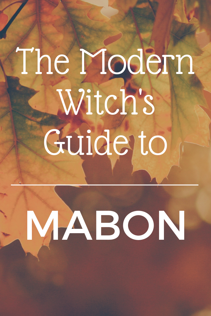 The Modern Witch's Guide to Mabon online course will help you learn to understand and celebrate the autumn equinox! Get in touch with the witch's season, host a witch's thanksgiving feast and learn how to keep an autumn nature journal. Sign up now! #maboncelebration
