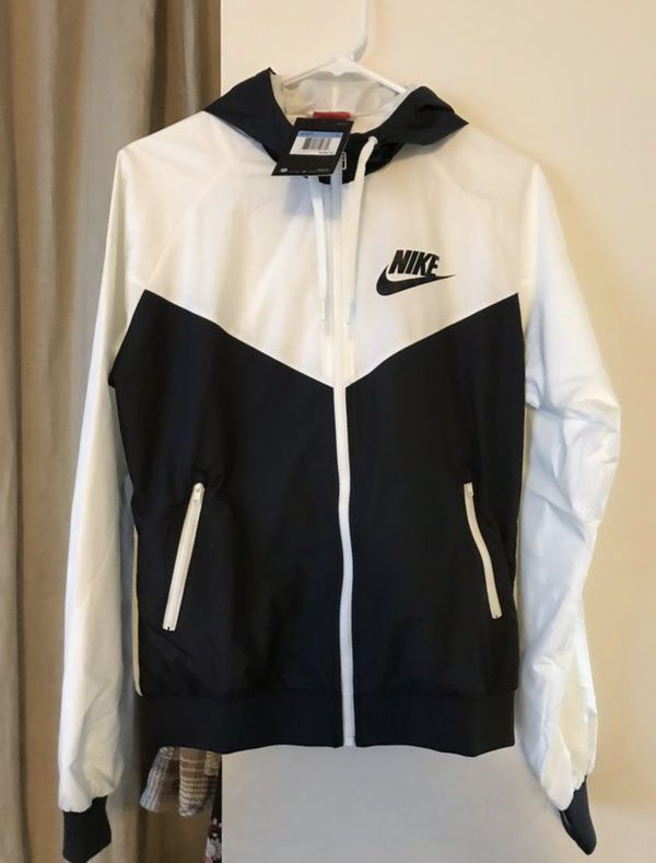 Brand new nike wind runner jacket women's medium for Sale in