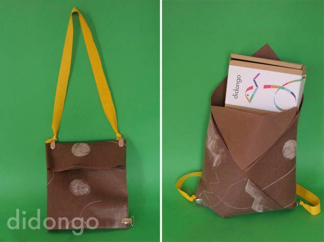La alfombra del juego del kit Mi mundo se transforma en una original mochila o un elegante bolso