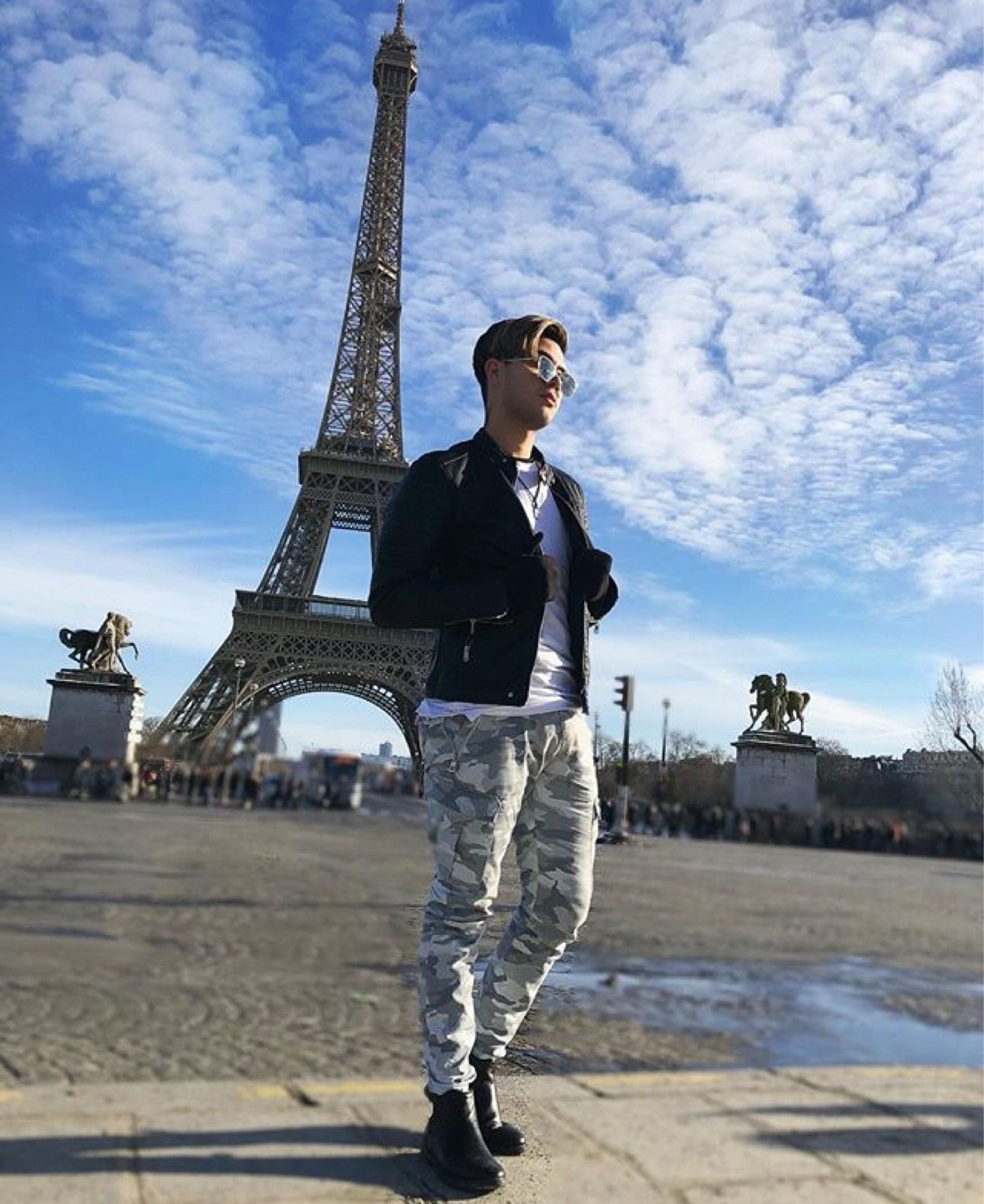 Imagenes De Juan De Dios Pantoja 2019 Buscar Con Google Pantoja Juan Pantoja Fotos En Paris