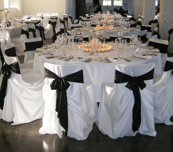 (Purple Chair Covers, Silver Ribbons, White Table Cloth With A Silver  Runner With Purple Ribbon. Part 94