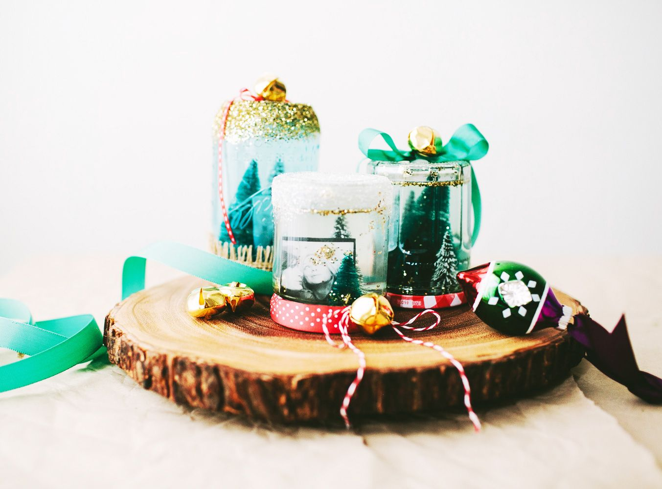 diy_homemade_snow_globe_13.jpg 1 353 × 1 000 pixels