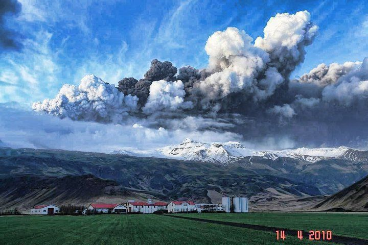 The Nd Eyjafjallajökull Volcano Eruption In South Iceland - 14 amazing volcanic eruptions pictured space