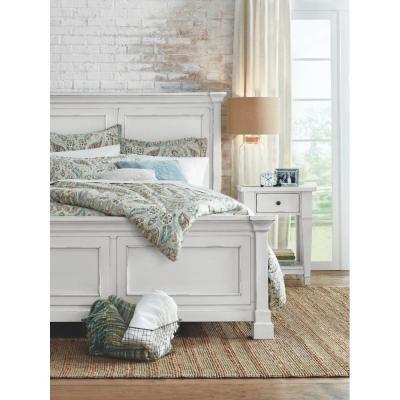 Best Bridgeport Antique White Queen Bed Frame 1872500460 400 x 300