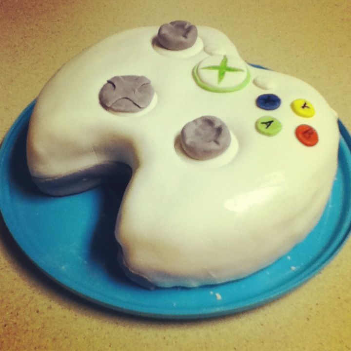 XBox Controller Strawberry Cake