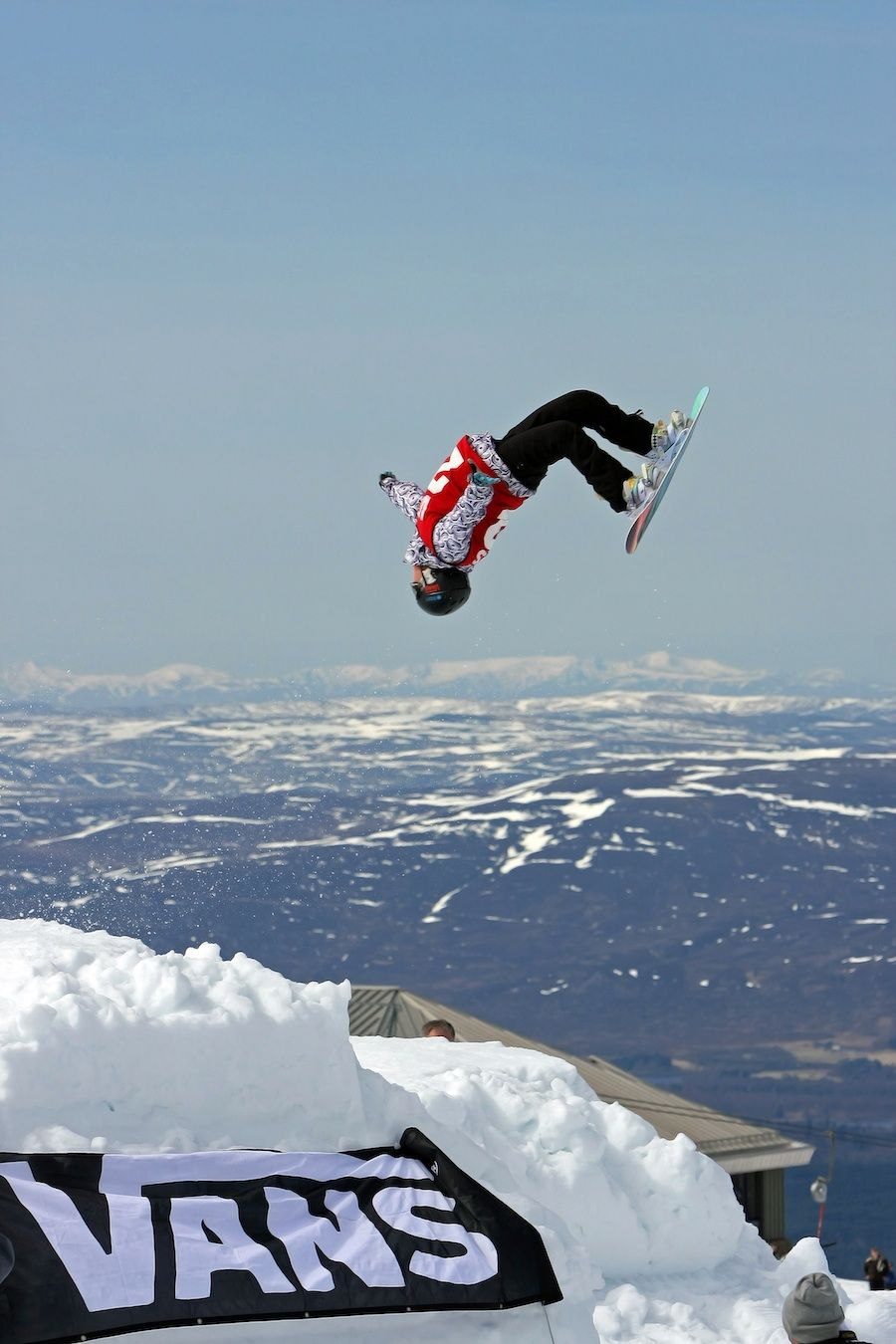 Amazing Freestyle Skiing Tricks Each and Every Skier ...