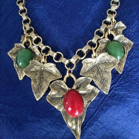 """Vintage leaf necklace Beautiful vintage """"1928"""" designer leaf necklace. I love this pieces organic, earthy vibe and stunning detail. Vintage Jewelry Necklaces"""