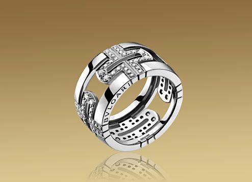 parentesi ring in 18kt white gold with pav diamonds bulgari