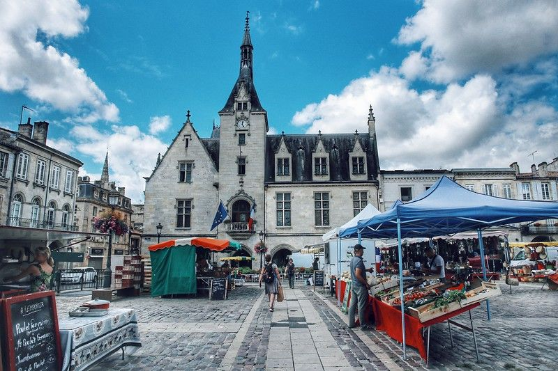 Libourne (Либурн) - рынок на центральной площади