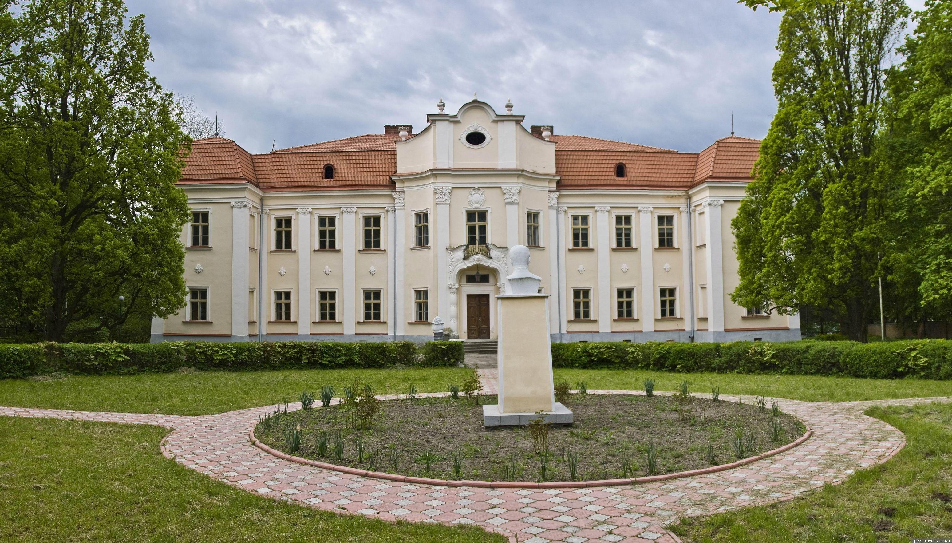 Палац архієпископів в  с. Оброшине, 1730 р. Львівщина Palace in Ukraine