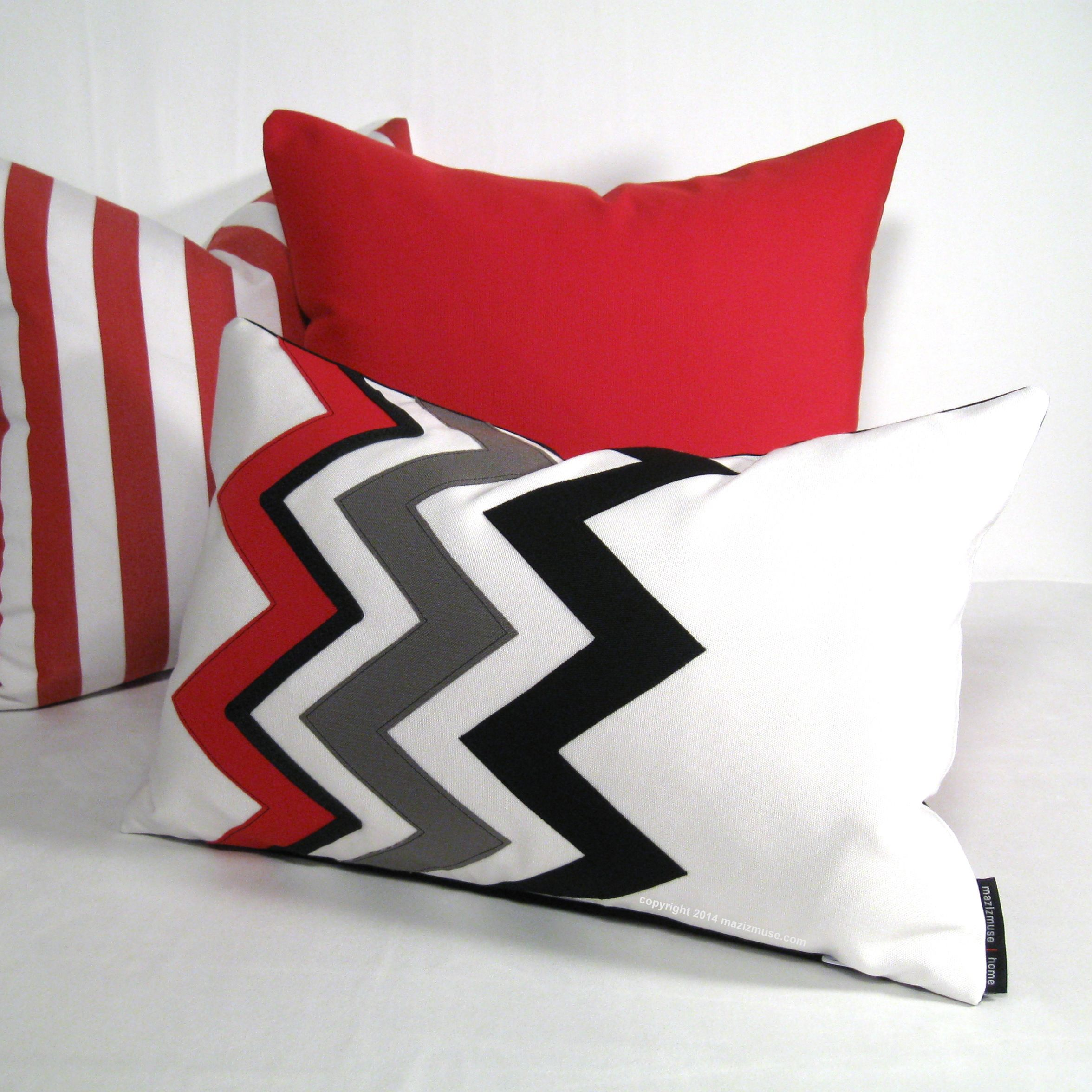 Colorful Indoor Outdoor Pillows With Poppy Red. #PoppyRedPilows  #OutdoorPillows #ModernPillows #SambaRed