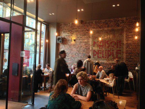 Nous nous sommes données rendez-vous au Café de la Maison du Peuple : une belle et bonne adresse > http://www.cafemdp.com/