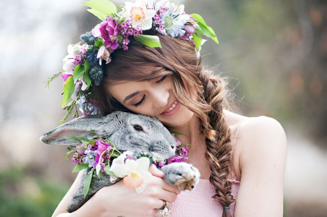 A floral crown or is it a bunny collar..... (I would LOVE a pic with Luna like this!)