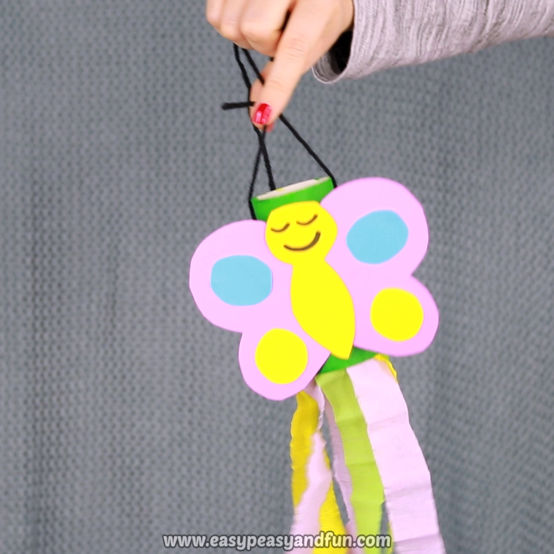 Butterfly Windsock Toilet Paper Roll Craft for Kids #butterflies