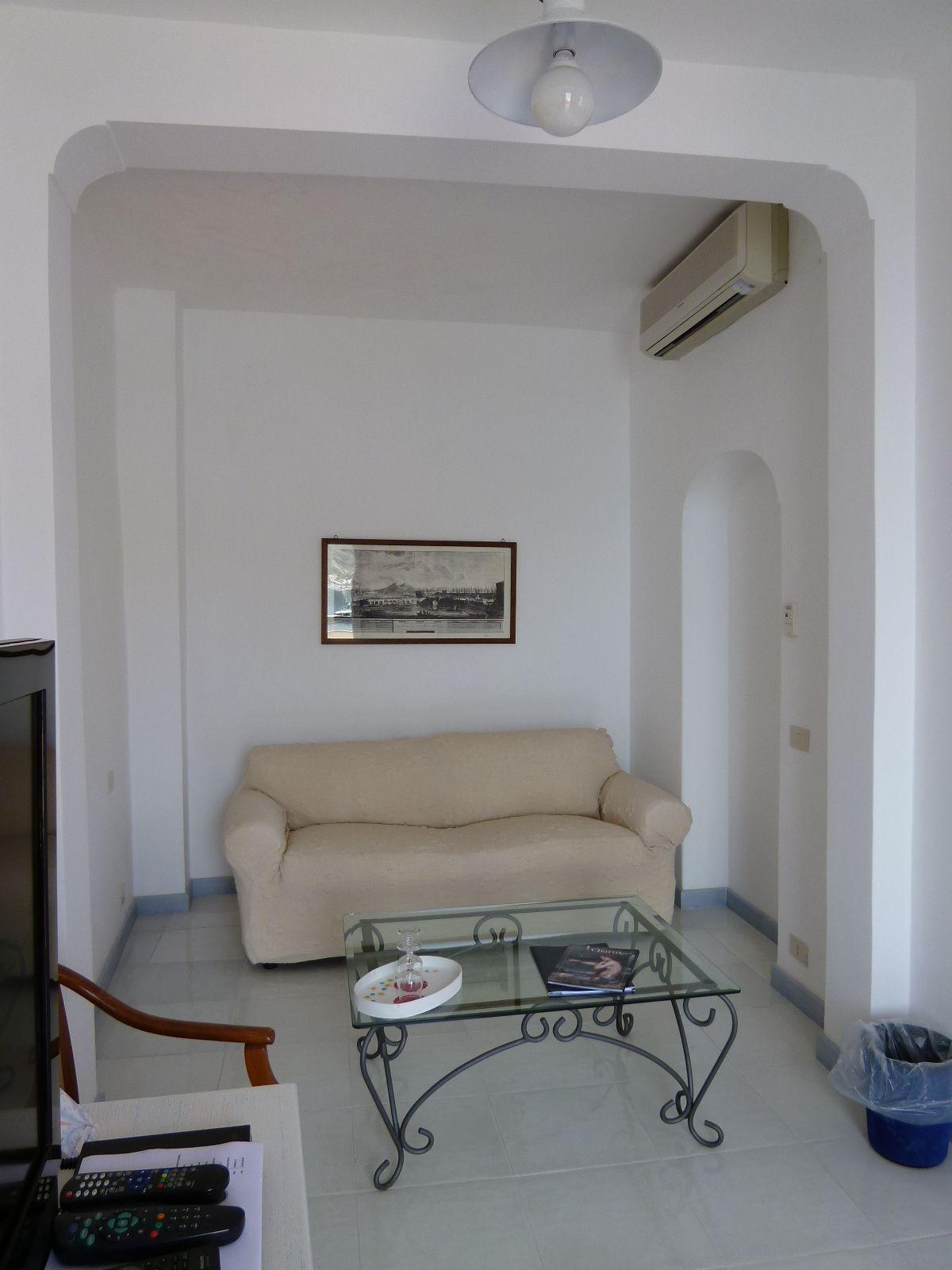 """Camera di """"Miramare Sea Resort & Spa"""" (Hotel), Sant'Angero, Isola Ischia,Italia (Maggio)"""