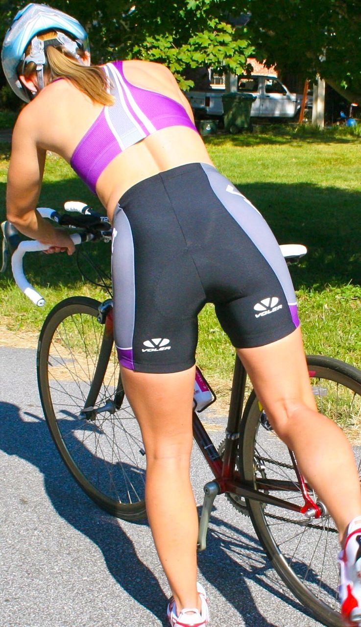 studiocw: Wear It Well | Women on Bikes | Cycling, Bicycle ...