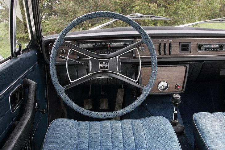 tableau de bord volvo 144 things to wear pinterest volvo cars and volvo cars. Black Bedroom Furniture Sets. Home Design Ideas